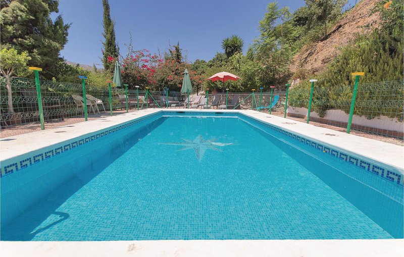 Nice home in Totalán with 6 Bedrooms (EAN279), holiday rental in Moclinejo
