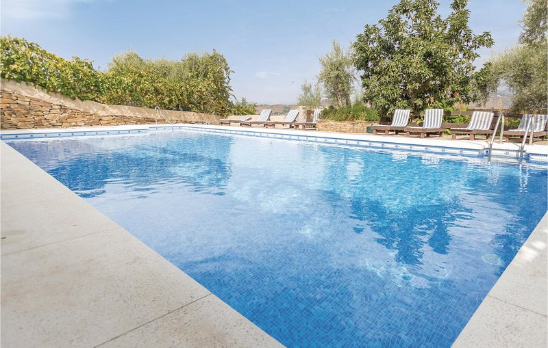 Amazing home in Sayalonga with 13 Bedrooms (EAN266), holiday rental in Sayalonga