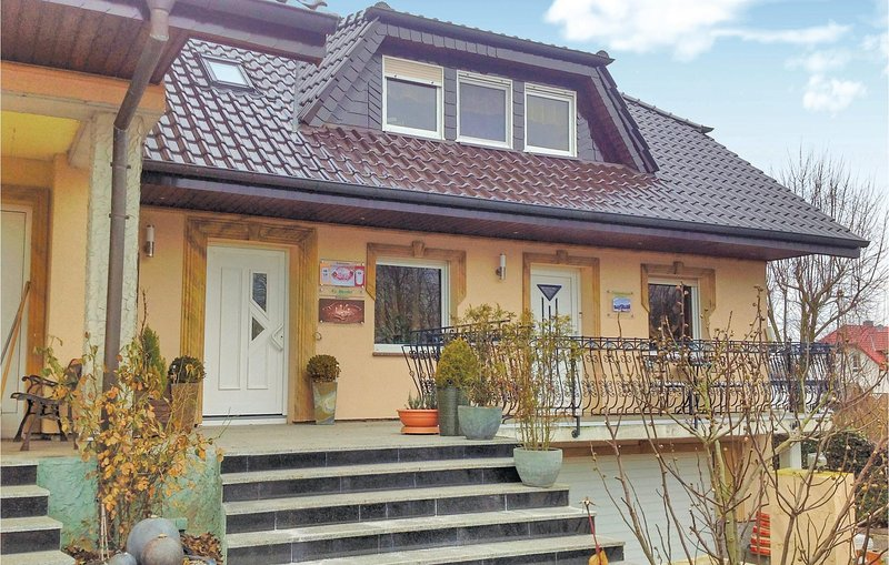 Awesome home in Espenau OT Mönchehof with WiFi and 3 Bedrooms (DHE258), holiday rental in Nieste