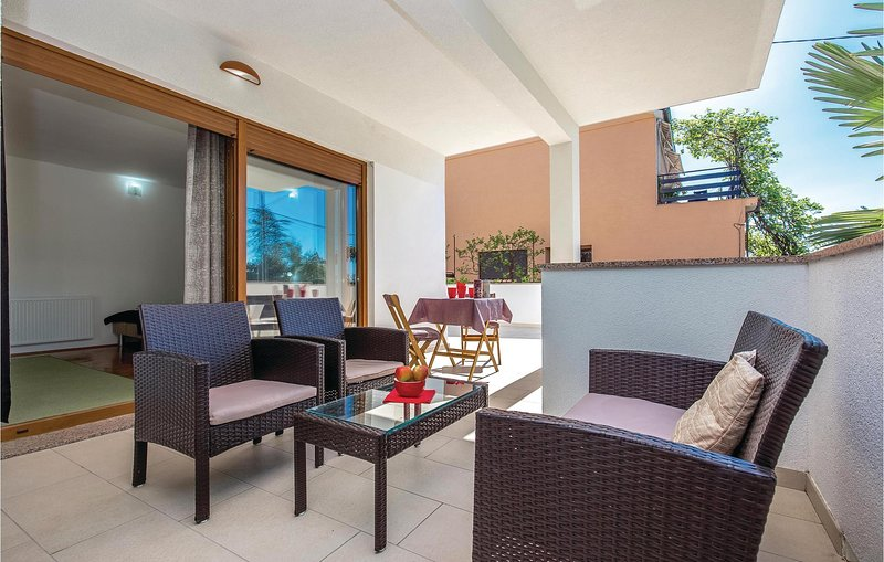 Beautiful home in Dramalj with WiFi and 1 Bedrooms (CKC837) – semesterbostad i Dramalj