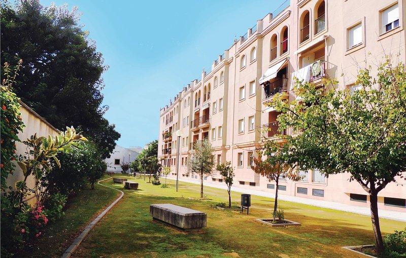 Stunning home in Jerez de la Frontera with 3 Bedrooms (EAL012), holiday rental in Torre Melgarejo