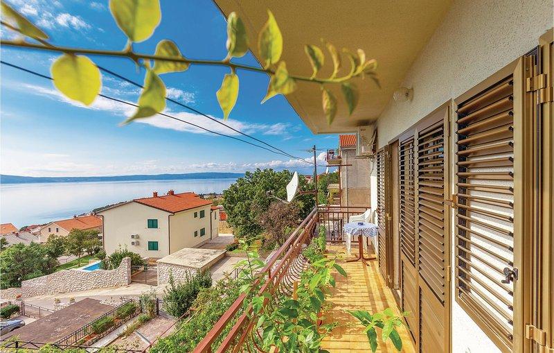 Beautiful home in Novi  Vinodolski with WiFi and 2 Bedrooms (CKN148), casa vacanza a Donji Zagon