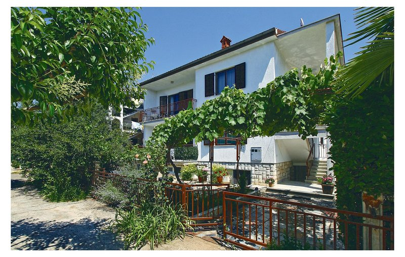 Awesome home in Umag with WiFi and 0 Bedrooms (CIU378), holiday rental in Murine