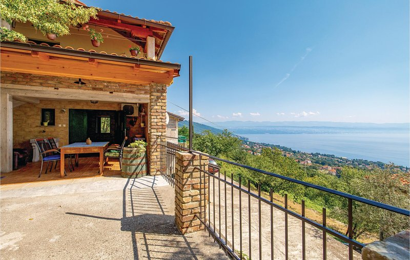 Amazing home in Lovran with WiFi and 1 Bedrooms (CKO008), casa vacanza a Ucka Nature Park
