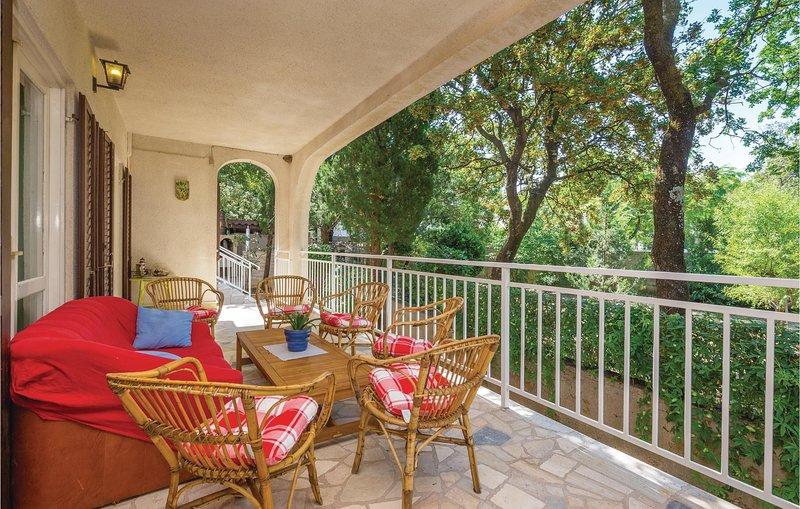 Amazing home in Povile with WiFi and 5 Bedrooms (CKN466), alquiler de vacaciones en Povile