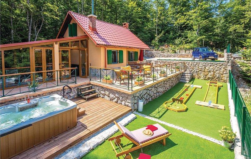 Awesome home in Bribir with Jacuzzi, WiFi and 1 Bedrooms (CKN463), aluguéis de temporada em Begovo Razdolje