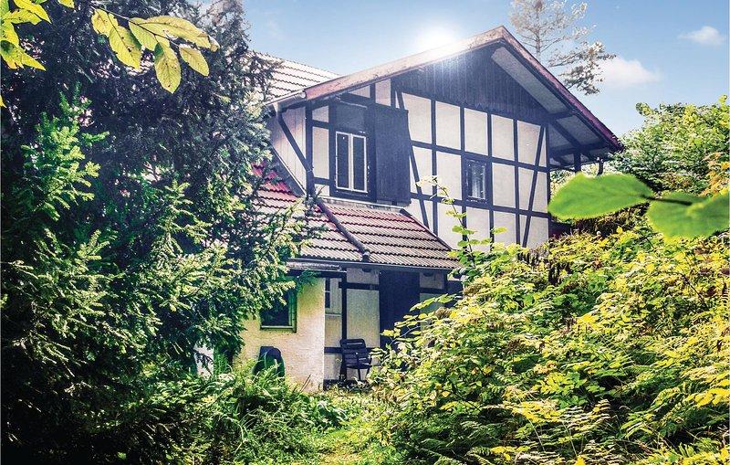 Stunning home in Blankenburg with 2 Bedrooms (DAN186), location de vacances à Halberstadt