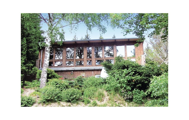 Awesome home in Güntersberge with Sauna and 2 Bedrooms (DAN192), holiday rental in Stiege