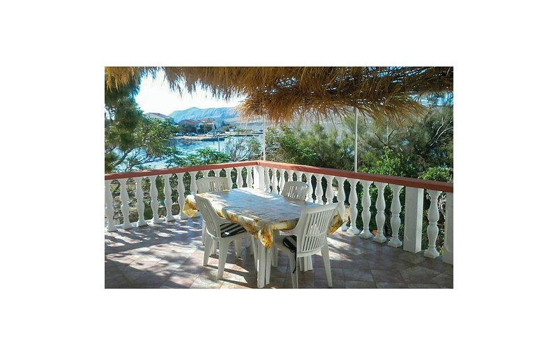 Nice home in Kustici with WiFi and 3 Bedrooms (CKP732), holiday rental in Kustici