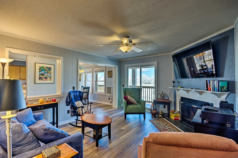 Book a trip to this 2-bedroom, 2-bath vacation rental condo in Beech Mountain.