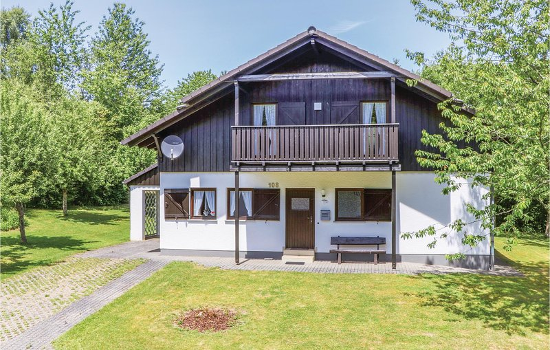 Nice home in Thalfang with 3 Bedrooms and WiFi (DHU208), holiday rental in Thalfang