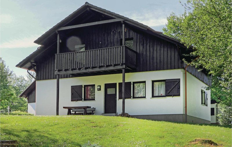 Awesome home in Thalfang with 2 Bedrooms (DHU210), holiday rental in Thalfang
