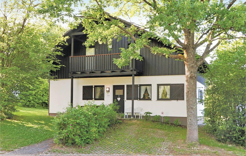 Nice home in Thalfang with 2 Bedrooms and WiFi (DHU203), holiday rental in Thalfang