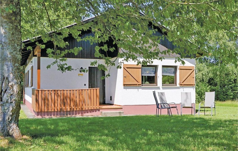 Beautiful home in Thalfang with WiFi and 2 Bedrooms (DHU220), holiday rental in Thalfang