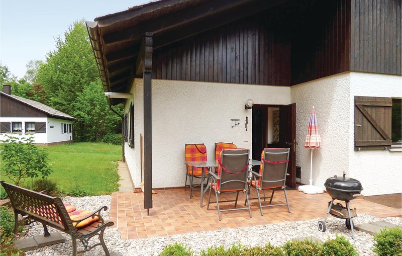 Awesome home in Thalfang with WiFi and 2 Bedrooms (DHU222), holiday rental in Thalfang