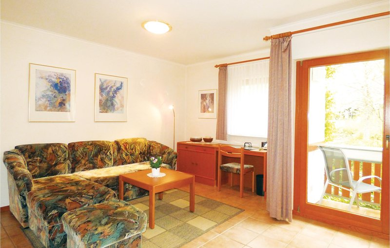 Stunning home in Thalfang with 1 Bedrooms (DHU253), holiday rental in Thalfang