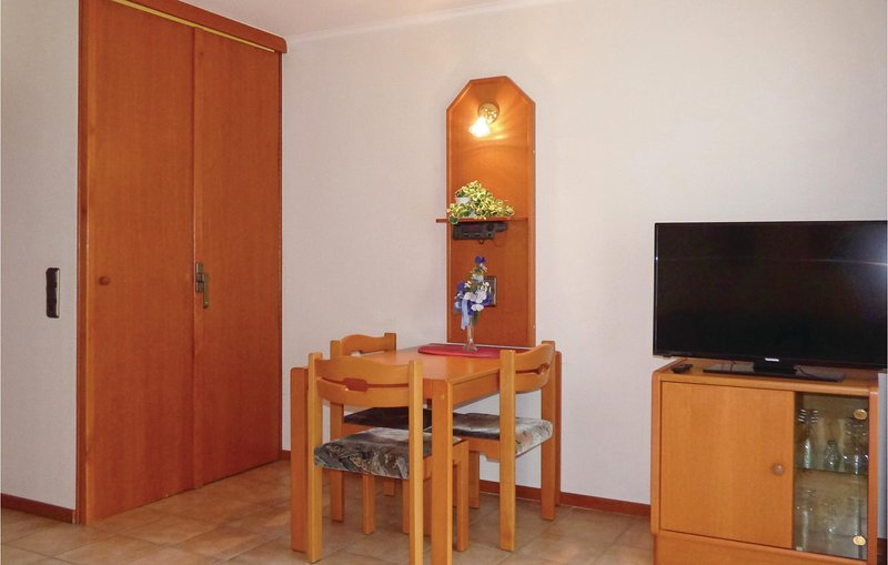 Beautiful home in Thalfang with 1 Bedrooms (DHU256), holiday rental in Thalfang