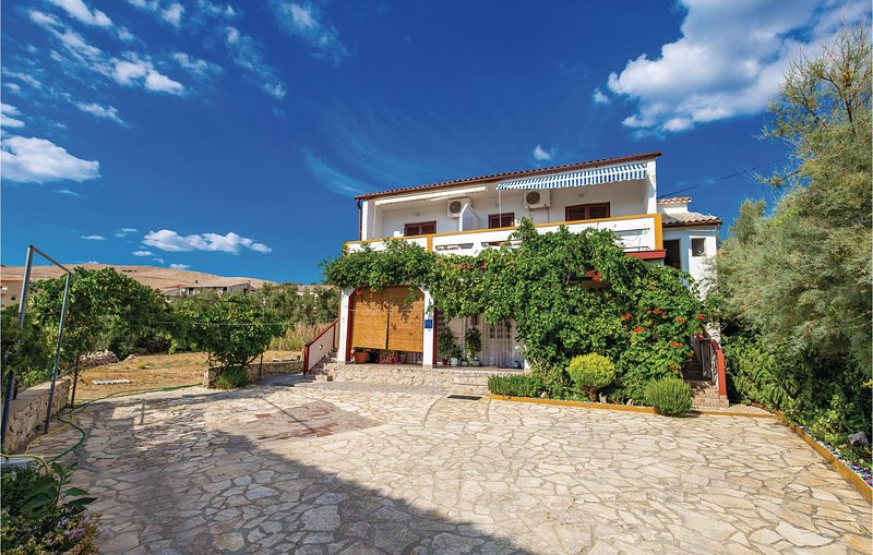 Awesome home in Zubovici with WiFi and 1 Bedrooms (CKP791), casa vacanza a Zubovici