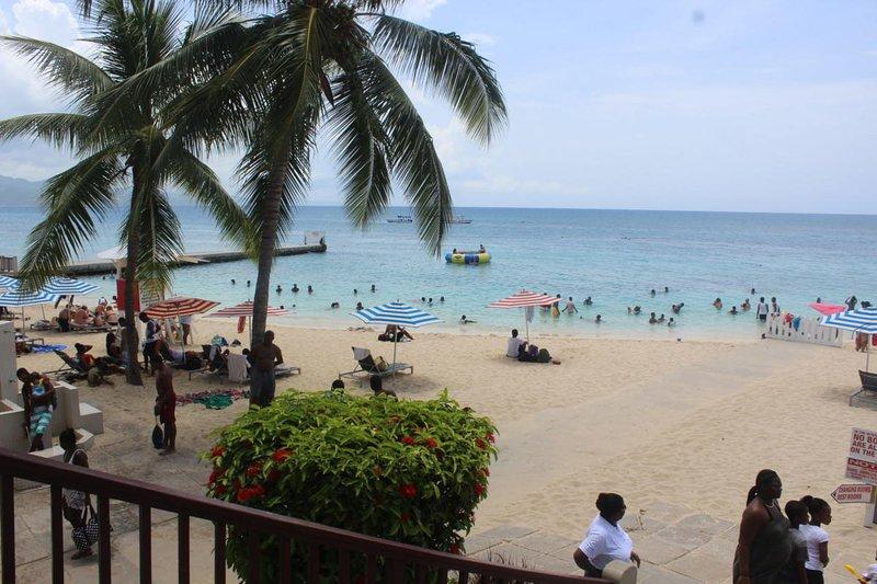 Palm Breeze House, Läkare Cave Beach, Avgifter gäller, ligger i Chatham Palm Nybyggd komplex