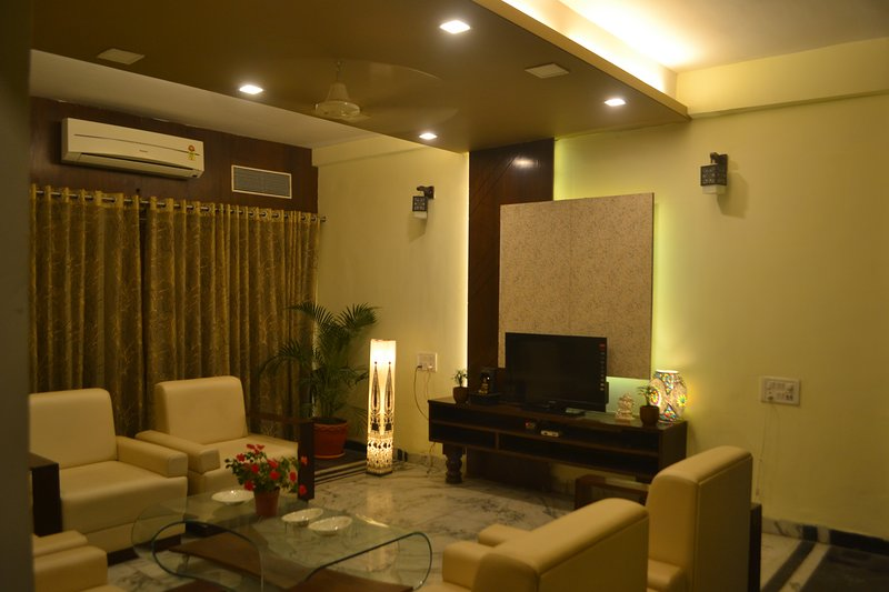 ROYAL PALMS, 6BHK, 3STAR, BUDGET STAY, holiday rental in Nagpur