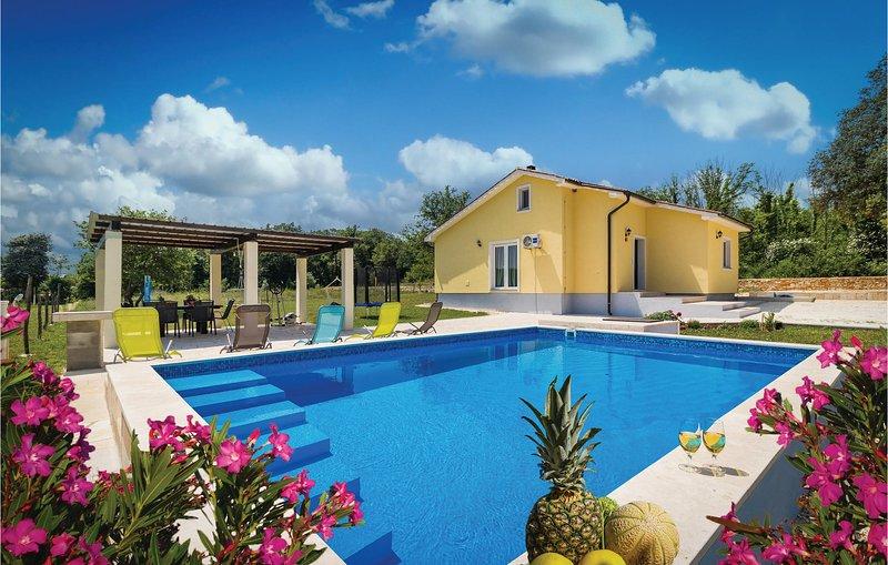 Amazing home in Valtura w/ WiFi and 2 Bedrooms (CIC494), location de vacances à Valtura