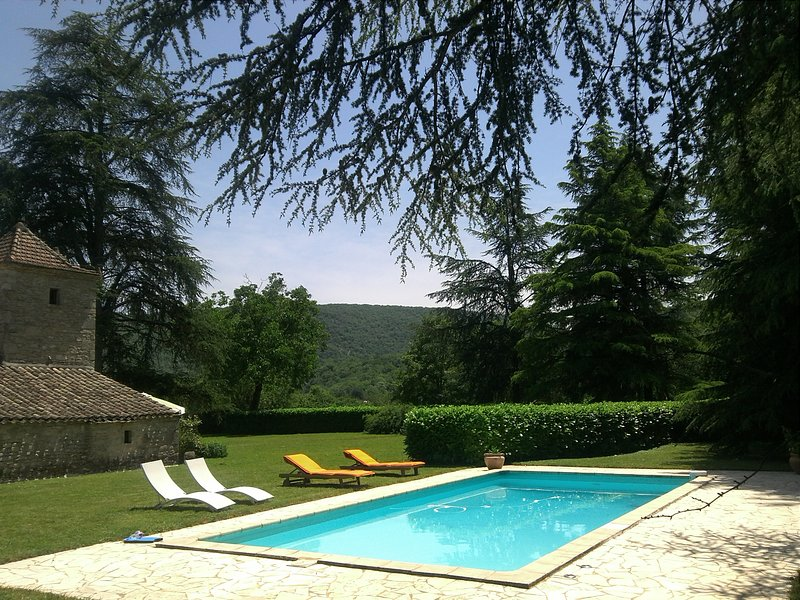 gite Pigeonnier-Four à Pain ***, holiday rental in Penne