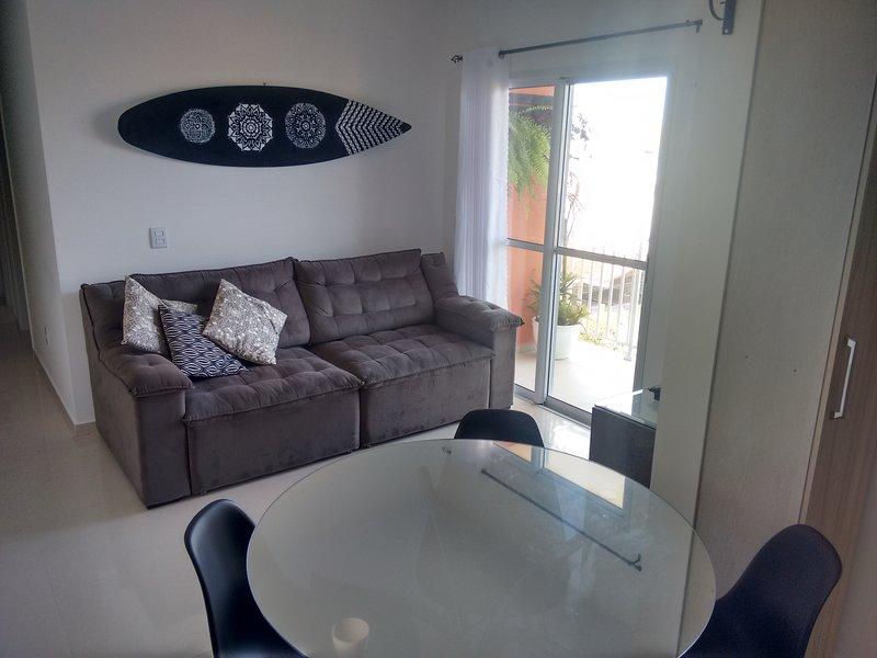 Apartamento praia do Santinho com vista para o mar, vacation rental in Santinho