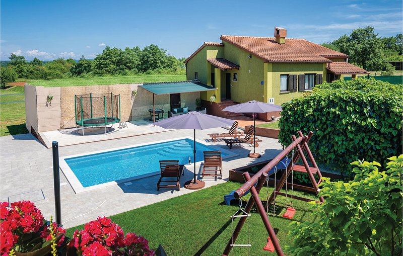 Amazing home in Skitaca with WiFi and 2 Bedrooms (CIC421), holiday rental in Orihi