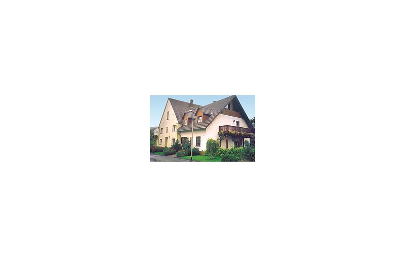 Beautiful home in Brilon-Alme with 3 Bedrooms (DNW037), holiday rental in Bad Wünnenberg