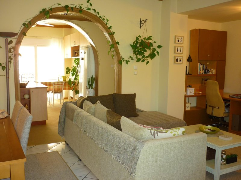 Kalamata Modern Apartment - entire first floor, holiday rental in Messini