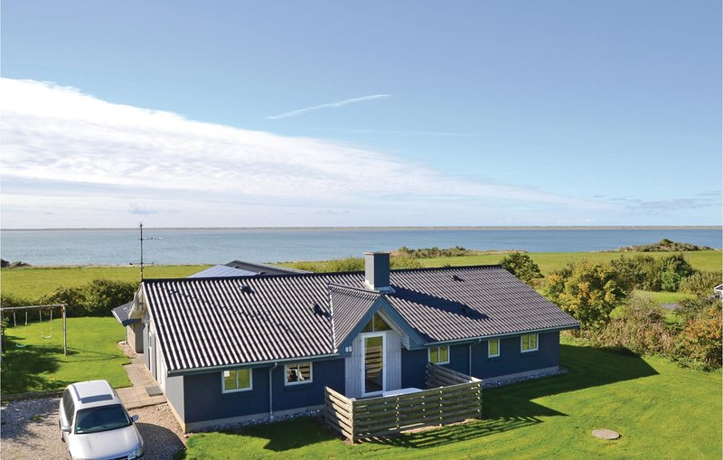 Nice home in Vestervig w/ Sauna, WiFi and 4 Bedrooms (A6228), holiday rental in Agger