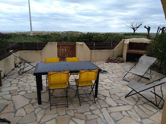 Appartement bord de mer a 20 m de la plage port Leucate. – semesterbostad i Port Leucate