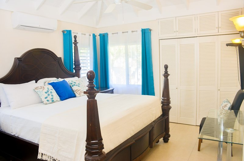 Villa @ The Palms with Oceanic View, Ocho Rios – semesterbostad i Ocho Rios