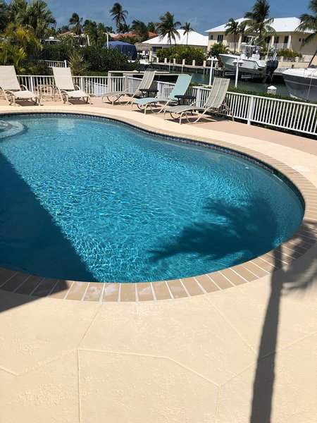 Key Colony Beach Tropical Pool Home-Open May 2020 and week of July 18, 2020., holiday rental in Key Colony Beach