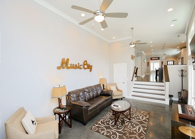Luxury House - Walk to Music Row and Universities, location de vacances à Nashville
