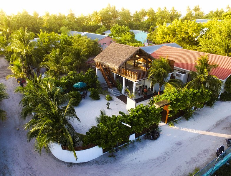 UFA ESCAPE, holiday rental in Omadhoo Island