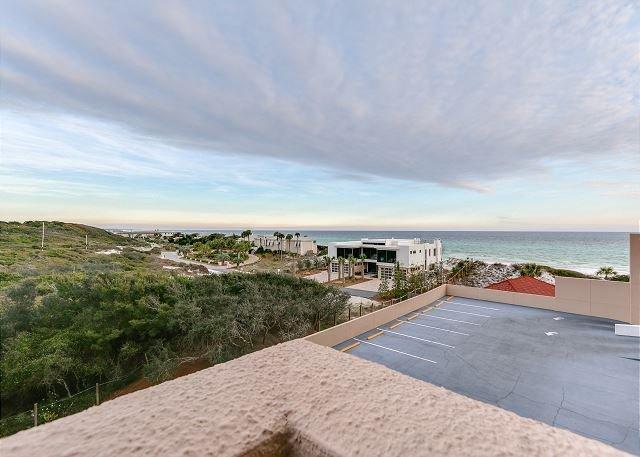 Beach Manor 404 - beachfront condo, huge balcony, all the comforts of home, vacation rental in Miramar Beach