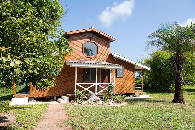 The Boat House -at The Overhang, alquiler de vacaciones en Región de Dar es Salam
