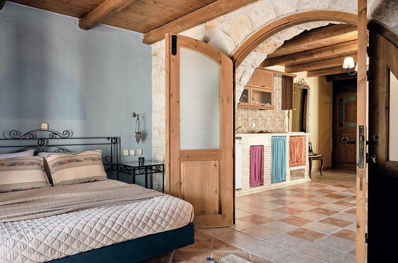 Diamond Suites - Melpomene 2 Bedroom Ground Floor Suite, location de vacances à Xirokastello