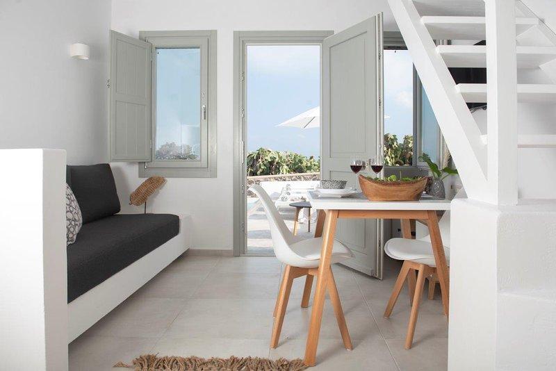 Luxury Suite with Plunge Pool, location de vacances à Vothonas
