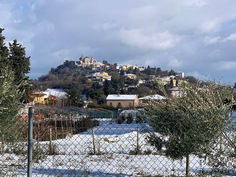 Casa Vacanze Tra Mare e Montemaggiore, aluguéis de temporada em Fano