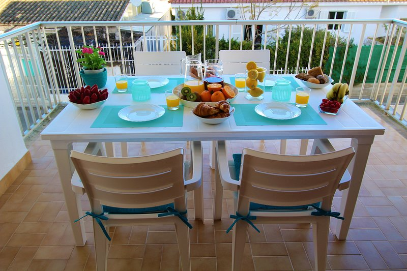 TURQUESA BEACH APARTMENT CLOSE TO THE BEACH, vacation rental in Alcudia