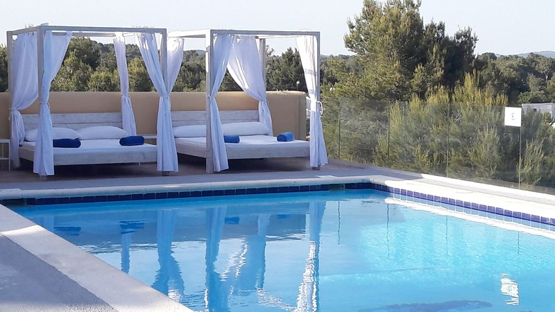 Villa Can Casely, holiday rental in Sant Antoni de Portmany