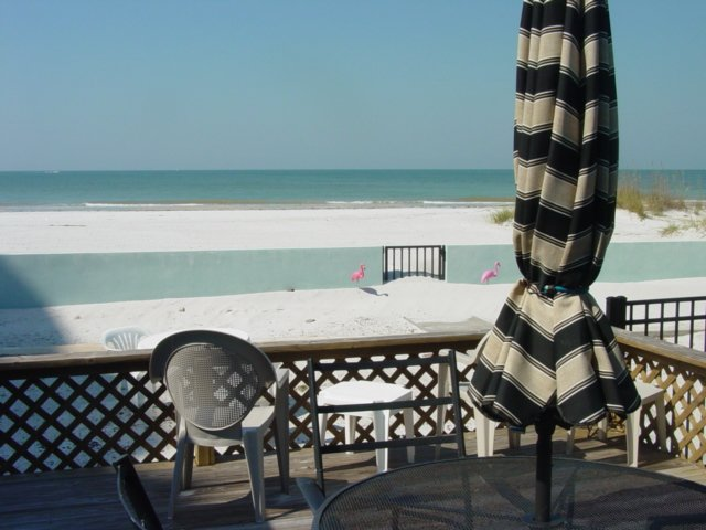 Starfish Gulf Front Two Bedroom Cottage, holiday rental in Madeira Beach