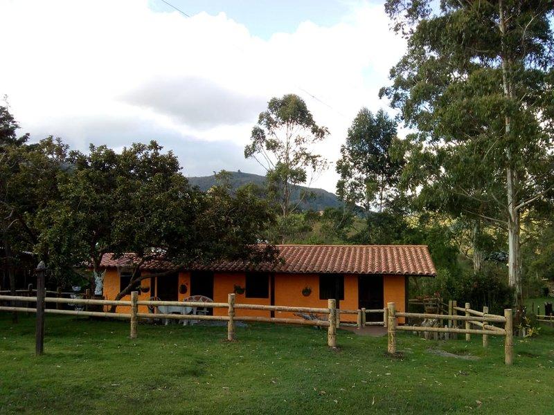 Las Orquídeas EcoHostel Villa San Gabriel, holiday rental in Rionegro