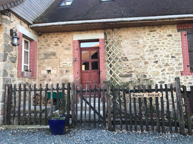 Hunnyfields Hamlets retreat, casa vacanza a Ladignac le Long