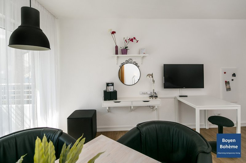 (B1) Central and quiet location in Berlin-Mitte with high-speed wifi, holiday rental in Berlin