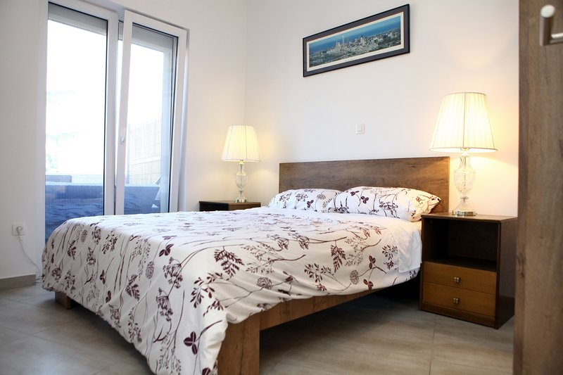 Charming San Simon Beach Apartment JN, vacation rental in Izola