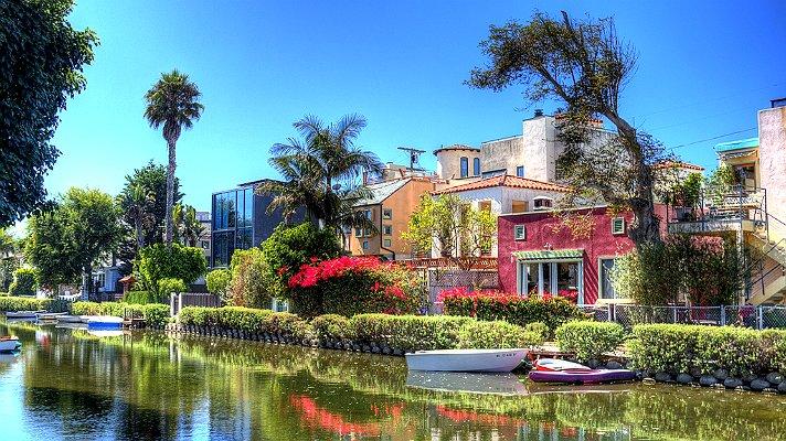 Visit the famous Venice canals!