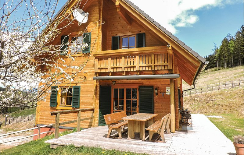 Nice home in Bad St. Leonhard w/ Sauna and 5 Bedrooms, aluguéis de temporada em Sankt Stefan